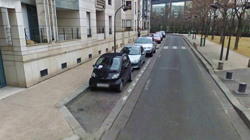 Parallel parking in Paris