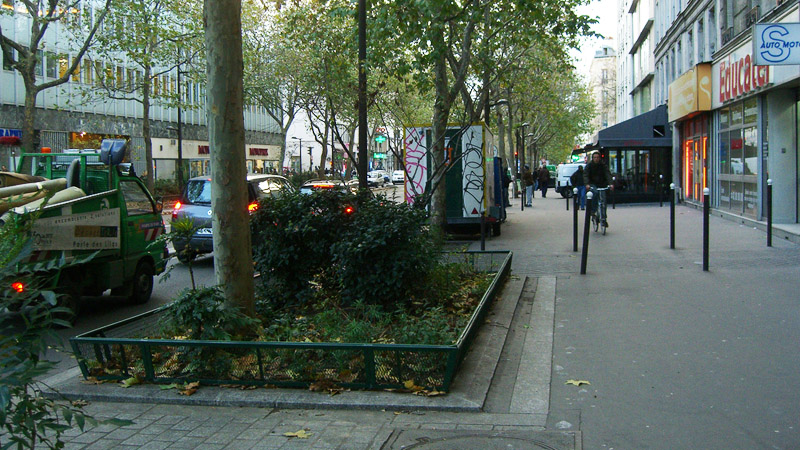 Advanced green patch on Avenue Jean Jaures in Paris