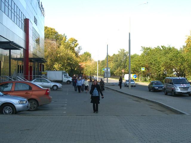 """Остатки тротуара у ТЦ """"Фан-фан"""""""