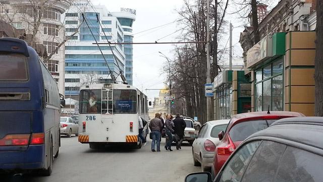 Автобусный карман на ул. Розы Люксембург