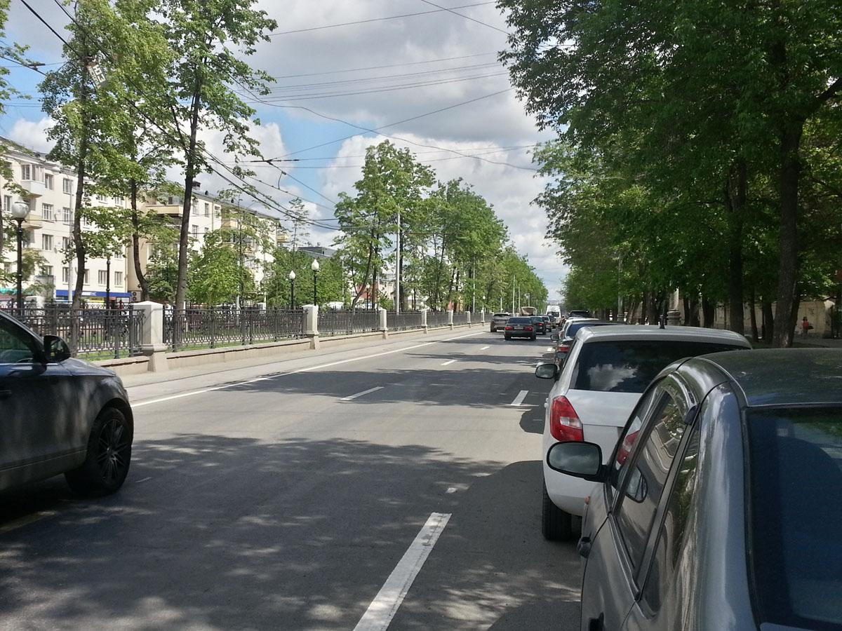 Проспект Ленина. Параллельная парковка
