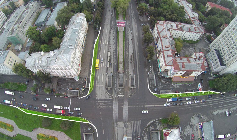 Правоповоротные полосы позволят компенсировать задержки на пропуск пешеходов. Фото: Letun