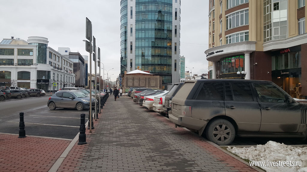 """ул. Сакко и Ванцетти около ЖК """"Тихвин"""""""