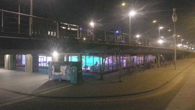 Боулинг-клуб под мостом в Амстердаме