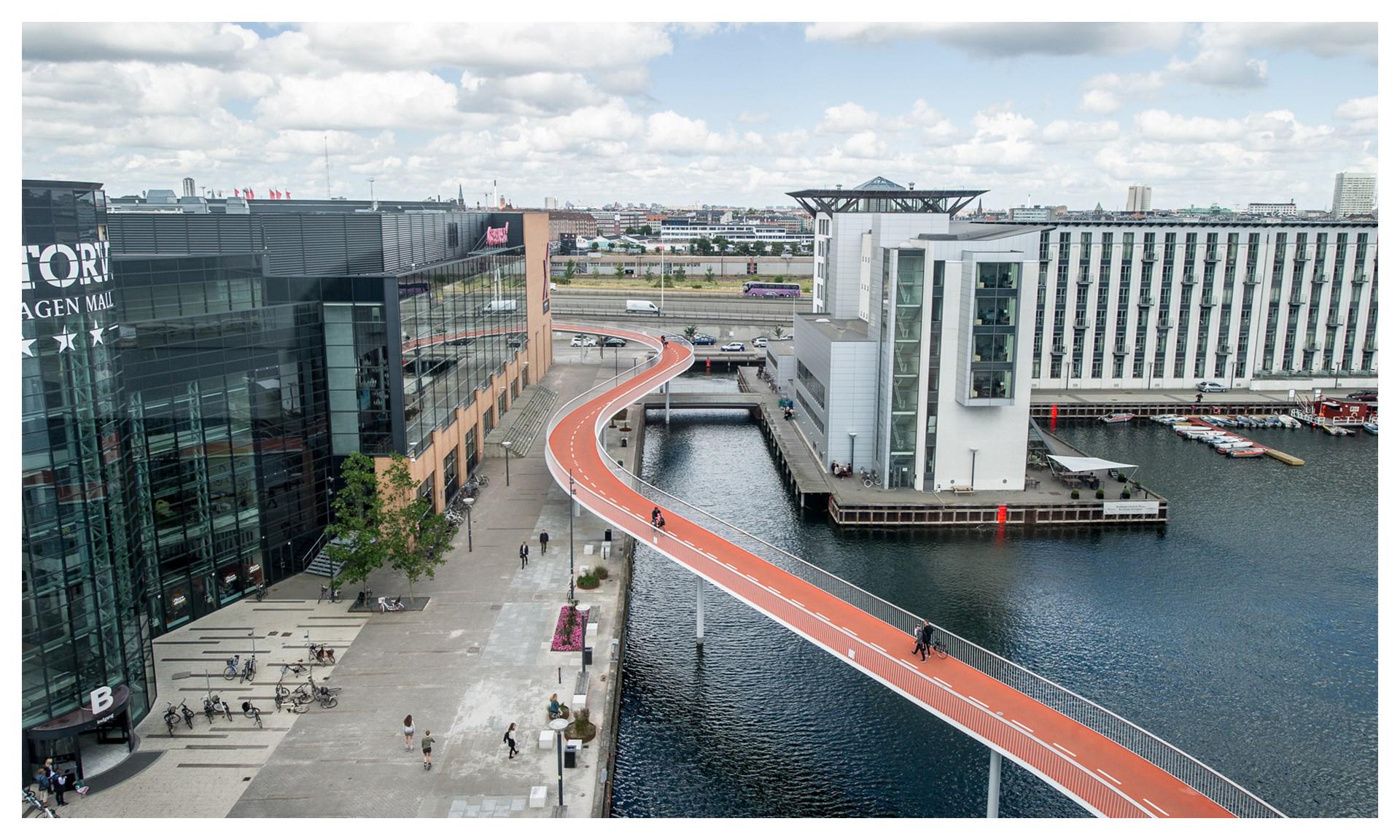 Мост Cykelslangen в Копенгагене