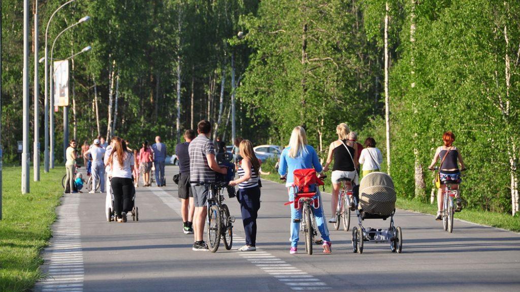Широкие тротуары на улице де Геннина пользуются стабильной популярностью!