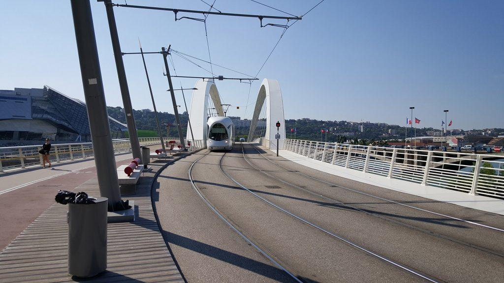 Трамвайно-пешеходный мост в Лионе