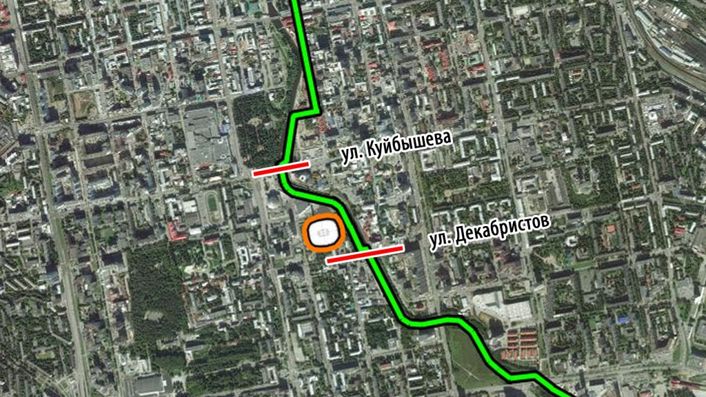 Мост по улицам Куйбышева и Декабристов препятствуют движению пешеходов вдоль набережной
