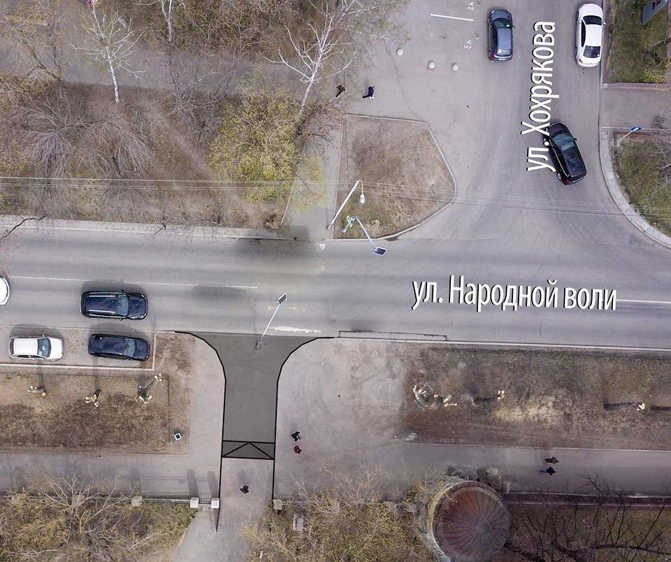 Один из въездов для техники предполагается разместить прямо на месте существующего пешеходного перехода.