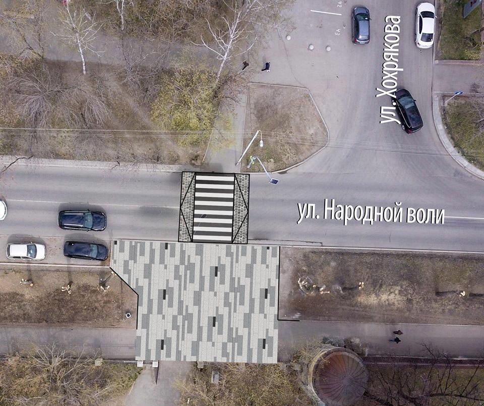 Мы считаем, что техника может заезжать в парк и через переход, а на перекрестке Народной Воли-Хохрякова пешеходный переход целесообразно выполнить в приподнятом варианте.