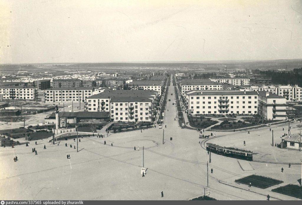 Площадь 1-й Пятилетки в 1950-е годы