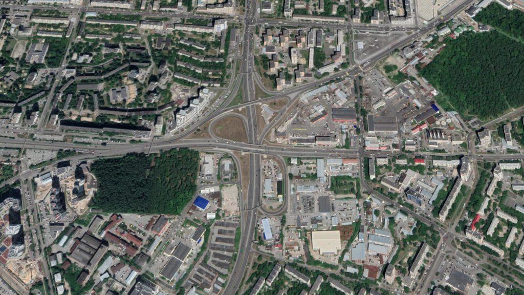 Характер землепользования и застройки вокруг улиц Серафимы Дерябиной и Токарей сегодня делает строительство трамвайной линии неоправданным.